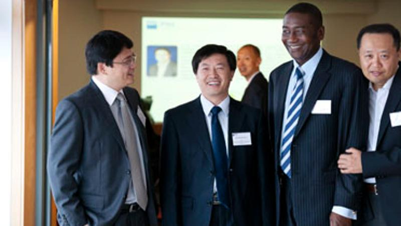 QUT - QUT forum cements joint regenerative medicine research with China